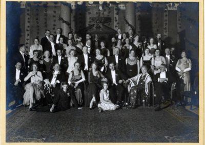 MienHendriks_Theather_1920